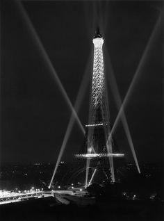Tour Eiffel, Paris René-Jacques (14 juillet 1947)