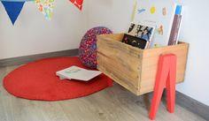 Fabriquez un bac à livres pour vos enfants à partir d'une caisse de vin © Marie Prenat - Danslapampa.fr
