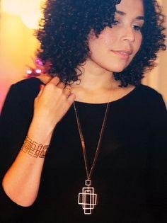 Manu from ambientevistoriado.com is loving her Shlomit Ofir Larsen jewelry pieces