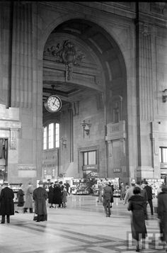 Old Photos: Still More Photos from 1938 Kansas City The clock, inside of Union Station, was known as the place to meet loved ones when they got off of the train.  Upon reuniting, many couples shared a kiss beneath this clock.