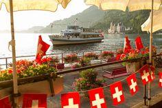 In Zwitserland is ook dit openbaar vervoer. Zó leuk om mee te varen en bijvoorbeeld terug te wandelen. #photography #travelphotography #traveller #canon #canonnederland #canon_photos #fotocursus #fotoreis #travelblog #reizen #reisjournalist #travelwriter#fotoworkshop #willemlaros.nl #reisfotografie #landschapsfotografie #instalaros #follow #fb #myswitzerland #zwitserland #grandtour #inlovewithswitzerland