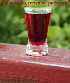 Nalewka pyszna, orzeźwiająca, bardzo owocowa.. Przepis jest kompilacją z sieci.. Składniki: czerwone porzeczki cukier wódka cynamon w la...