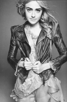 Dakota Fanning in Vogue 2010... All grown up!
