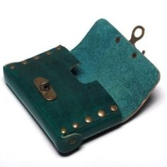 Indyum Cowboy Collection - Original Leather Pouch Case for iPhone 4, 4s & 5 & Black Berry Phones - VMPCW2 - Green Color
