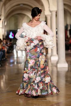 Madroñal - We Love Flamenco 2020 - Sevilla Elegant Dresses, Beautiful Dresses, Formal Dresses, Vestido Charro, Moda Fashion, Bohemian Gypsy, Blouse, Boho Chic, Creations