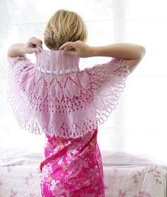 Mohair lace capelet - knitting pattern!