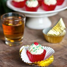 Holiday Jello Shots - Christmas Themed Jelly Shots - Delish Fireball Jello Shot Cupcakes These Fireball-infused jellies are masquerading as cinnamon cupcakes (complete with frosting!), making them the perfect dessert or drink for a chilly white Christmas Christmas Jello Shots, Christmas Drinks, White Christmas, Holiday Drinks, Christmas Holiday, Christmas Ideas, Fun Drinks, Yummy Drinks, Yummy Food