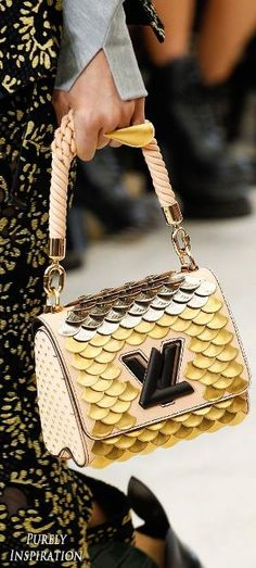 Louis Vuitton SS2017 Women's Runway Details | Purely Inspiration by lihoffmann