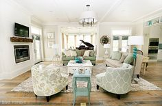 Love turquoise, love white, love this room