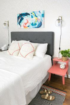 32 Best Sewing Diy Projects To Refresh Your Living Room, By the moment you wrap up your very first project, it is likely that you'll already be looking around for your next. Repurposing projects really are t. Diy Projects Bedroom Decor, Bedroom Crafts, Easy Diy Projects, Home Decor, Bedroom Ideas, Bedroom Styles, Bedroom Inspo, Sewing Projects, Hot Rods