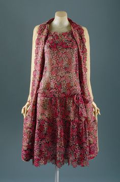 Coco Chanel, 1927.  Look at the way the edges are cut and finished to follow the shape of the flowers.  Only in couture... (Acknowledgements to http://www.metmuseum.org)