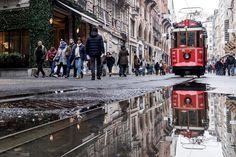 #istanbul #istiklal #streetphotography #huseyinaldirmaz