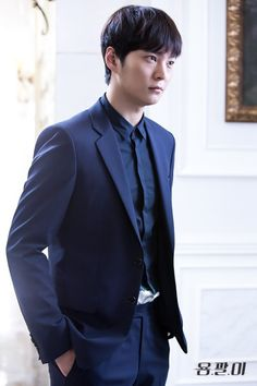 """Actor Joo Won appeared on the October 19 broadcast of SBS Power FM's """"Cultwo Show"""" to promote his upcoming movie """"It's Him"""" (working title). On the show, he had a chance to reminisce about his kissing scenes from his recent SBS drama """"Yong Pal."""" He noted, """"I had quite a number of kissing scenes on t..."""