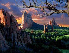 Colorado Springs Trivia – Garden of the Gods Park Did you know? Garden of the Gods has its own Dinosaur?
