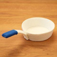キッチン(フェルトままごとブック)ママが作るフェルト製おもちゃ難易度★★★★★製作方法手縫い・ミシン(ジグザグミシン)レシピ16ページ(A5…
