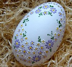 100 Best Creative Painted Easter Egg Tutorials - This Tiny Blue House eggs drawing 100 Best Creative Painted Easter Egg Tutorials - This Tiny Blue House Easter Tree, Easter Wreaths, Easter Eggs, Ostergeschenk Diy, Art D'oeuf, Egg Shell Art, Easter Paintings, Easter Crafts For Kids, Easter Ideas