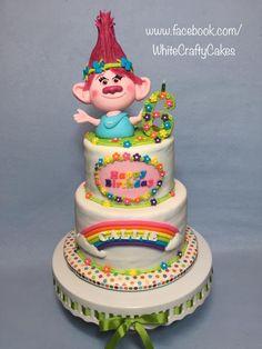 Poppy the Troll Cake by Toni (White Crafty Cakes)