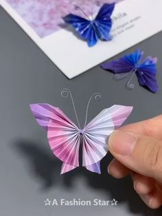 8 simple origami ideas fun paper craft butterfly DIY Informations About 8 einfache Origami-Ideen – Spaß Papier Handwerk – Schmetterling Origami Simple, Instruções Origami, Origami Ball, Paper Crafts Origami, Paper Crafts For Kids, Paper Crafting, Origami Ideas, Origami Guide, Origami Duck