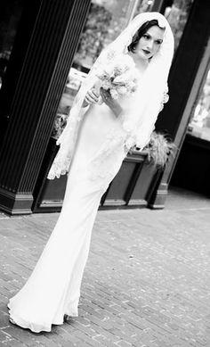 vintage wedding fashion, seattle wedding dresses, antique bridal accessories, heirloom rings