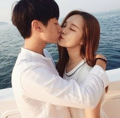 So far they are my favorite couple. so romantic and sweet Perfect couple of the year. Relationship Pictures, Relationship Problems, Relationship Goals, Perfect Couple, Love Couple, Couple Goals, Couple Style, Ulzzang Couple, Ulzzang Girl