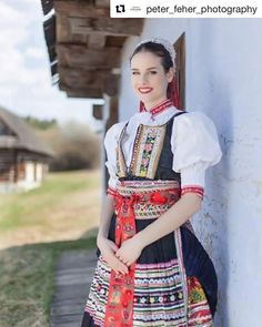 One from many nice Czech girls in one from many folk costumes from Czechia Folk Fashion, Womens Fashion, Marriage Dress, German Girls, Folk Costume, Traditional Dresses, Beauty Women, Dress To Impress, Folklore