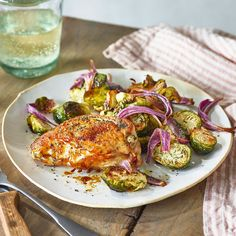 salt-and-vinegar chicken with brussel sprouts Easy Baked Chicken, Baked Chicken Recipes, Mediterranean Chicken, Cooking Recipes, Healthy Recipes, Meal Recipes, Turkey Recipes, Sheet Pan, Beef Recipes