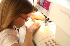 A mini sewing lesson for kids