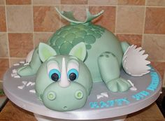 Baby Dragon cake (inspired by debbie brown) by Paramount Cakes, via Flickr