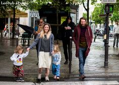 Womenswear & Menswear Street Style by Ángel Robles. A lovely family on the streets of Paris.