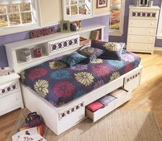 Zayley Full Bookcase Bed, White