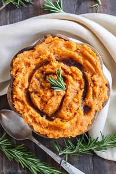 Brown Butter and Rosemary Mashed Sweet Potatoes Nutrition Food List, Nutrition World, Rosemary Mashed Potatoes, Nutritional Value Of Eggs, Whole Food Recipes, Healthy Recipes, Organic Recipes, Ethnic Recipes, Food Science