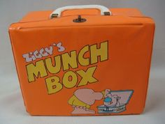 icollect247.com Online Vintage Antiques and Collectables - Ziggy And Fuzz Aladdin Munch Box and Thermos 1979 Movie TV