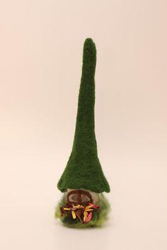 Mini-Zwergenlampe grünes Dach von Das-FilzStuermchen auf DaWanda.com