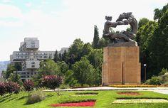 """""""ვეფხვი და მოყმე"""" #Tbilisi #Georgia #Tbilisigovge #Tbilisicityhall #GreenTbilisi"""
