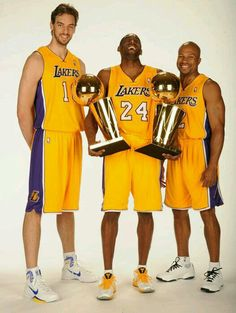 Pau Gasol, Kobe Bryant and and Derek Fisher( 2010)