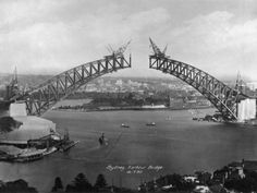 Sydney Harbour Bridge during construction