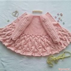 Baby Knitting Patterns Cardigan Cardigan with braids for girls. Big Mouth and M …Kids Sweatshirt Models, # Kids Jumpsuits - Diy And HomeThis Pin was discovered by Sev Baby Knitting Patterns, Knitting For Kids, Lace Knitting, Baby Patterns, Sewing Patterns, Crochet Patterns, Crochet Girls, Crochet For Kids, Crochet Baby