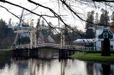 Dubbele ophaalbrug in het museum overdag