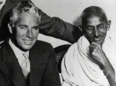 Ultimate Collection Of Rare Historical Photos. A Big Piece Of History Pictures) - Charlie Chaplin and Mahatma Gandhi Sophia Loren, Jerry Lee Lewis, Sammy Davis Jr, Danny Devito, Louis Armstrong, Rare Historical Photos, Rare Photos, Rare Pictures, Funny Pictures