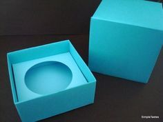 This cupcake box would look so cute with a fun ribbon tied around it! It's such a fun way to give cupcakes.