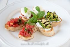 3x bruschetta recept Bruschetta Recept, Bruchetta, Lunches, Tapas, Snacks, Sweets, Ethnic Recipes, Food, Walking
