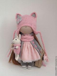 Купить или заказать Розовая кошечка(резерв) в интернет-магазине на Ярмарке Мастеров. Продам интерьерную куколку! Куколка станет отличным подарком для ваших близких Куколка станет отличным подарком для ваших близких. Куколка выполнена из качественных материалов может сидеть и стоять самостоятельно. Одежда не съёмная. По вопросам приобретения пишите в личные…