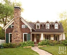 Craftsman Style Homes Exterior Color Schemes Exterior Color Combinations, Exterior Color Schemes, Exterior House Colors, Exterior Paint, Exterior Shutters, Cottage Exterior, Style At Home, Front Porch Remodel, Green Shutters