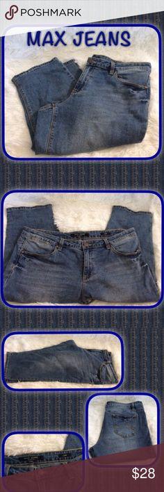 Max Denim Capri's Very classy Capri's an comfy, waist 14.5, hips 22' , inseam 18.5 , front an back pockets, material 99% cotton 1% spandex, ...B-1 excellent condition ... Max & Co. Pants Capris