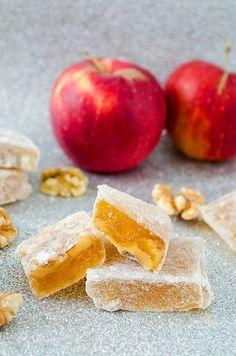 İçi bol malzemeli sevenler için geliyor: bol malzemeli elmalı lokum!