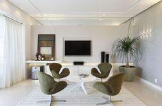 Salas de bate papo integradas às salas de tv - ótima dica para decorar salas grandes! - Decor Salteado - Blog de Decoração e Arquitetura