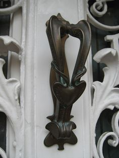 door knocker on a house at the top of Gay Street.