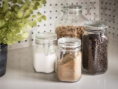 Clear,+air-tight+jars+are+ideal+for+storing+dry+goods+that+are+frequently+used.