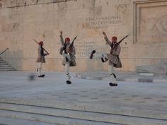 Atenas - Fotografía: Paulo Portugal Mykonos, Santorini, Portugal, Greek Isles, Athens, Cruises, Greece, Viajes, Santorini Caldera