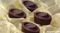 csokoládé Napkin Rings, Chocolate, Home Decor, Homemade Home Decor, Schokolade, Interior Design, Chocolates, Home Interiors, Decoration Home
